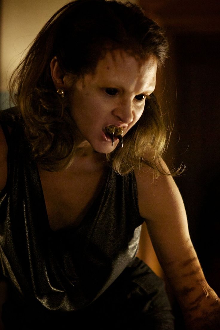 """Grimm - Season 1 Episode 11 This whole episode I was literally laying on my bed watching and yelling """"WTF?!!!!!!!!! DDDX"""""""