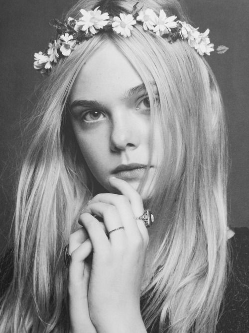 Elle Fanning: Carin Roitfeld, Flowers Headbands, Dreams Hair, Chanel Jackets, Flowers Girls, Flowers Hair, Tional Fans, Karl Lagerfeld, Black Jackets