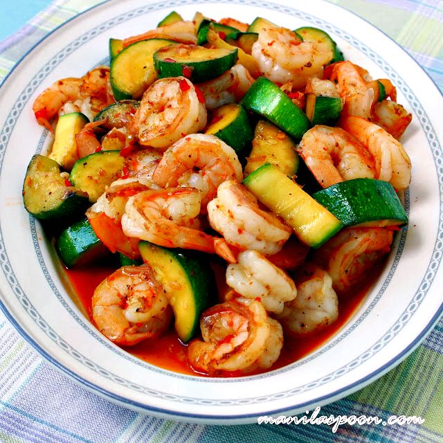Add this easy Sweet and Spicy Shrimp and Zucchini Stir-Fry recipe to you weeknight menu - you won't regret it!