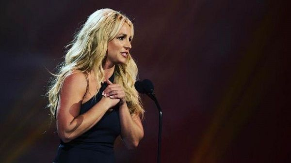 Britney Spears canta sin playback
