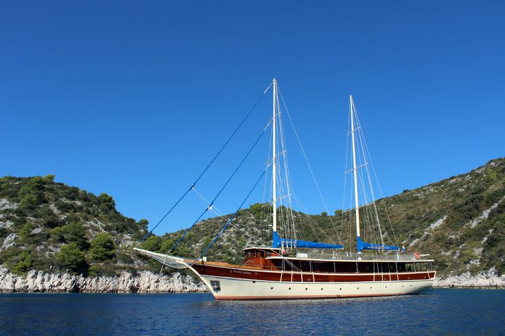 #thinkquick TAJNA MORA is one #boat booked way in advance. #croatia #charter sleeps up to 18