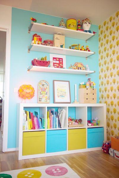 barnböcker,leksaksförvaring,färgglatt,färgglatt barnrum,ikea expedit