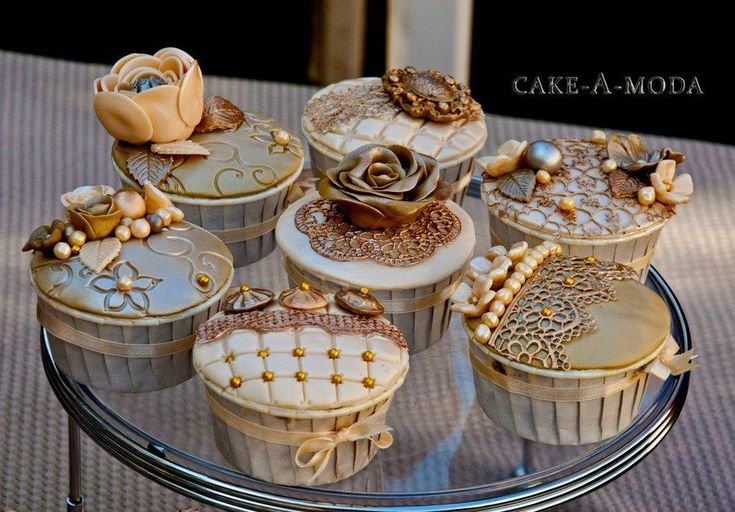 New Year Engagement Cupcakes - CakesDecor
