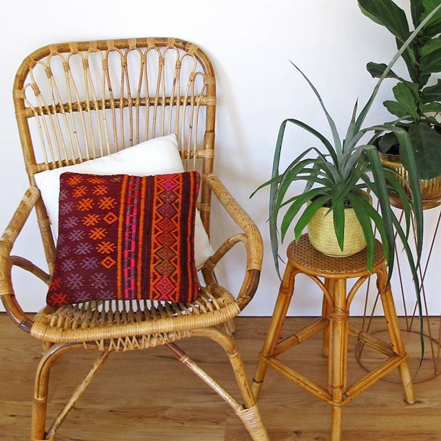 Hello our beautiful followers! We've been super quiet on instagram for a little while (can anyone say changing jobs, growing a baby and renovating at the same time!) but we are so so excited because we just received a whole new lot of absolutely gorgeous kilim cushions!! They are already up on the website and ready to look perfect on your couch! Have fun browsing through our treasures!! ♡ thekilim.co  #thekilimco #kilims #turkishkilim #kilimrug #vintage #vintagekilim #bohostyle…