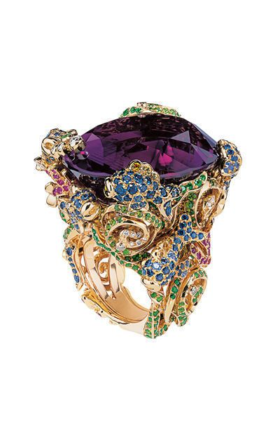 The stunning rings by French designer Victoire de Castellane for DIOR High Jewelry