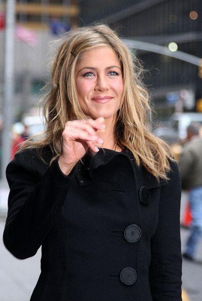 Charming seductress Jennifer Aniston