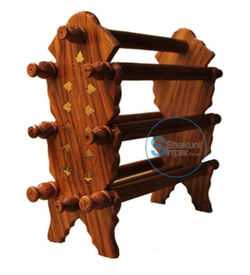 Hand carved wooden stand @shakuntimpex #shakuntimpex #shakuntindustrialfurniture #handcarvedfurniture #woodenfurniture