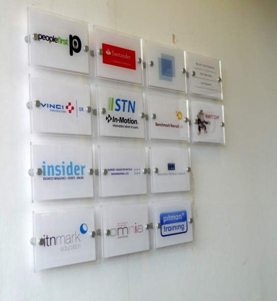 Office Building Directory Signage with Changeable Company Name Plates