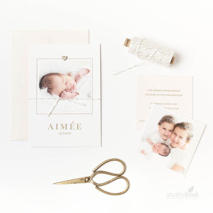 Stijvol geboortekaartje met foto_meisje_dochter_letterpress_letterpers_perzik_goud_simpel_sjiek_klassiek_birthannouncement #www.studiokuuk.nl