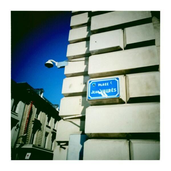 """[TOURS] @Omer Pesquer : """"#Tours En balade place Jean Jaurès  - """"2014  année Jaurès"""" oblige #Jaures2014"""" https://twitter.com/_omr/status/457464867856072704/photo/1"""