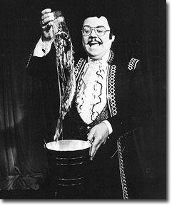 "The Great Soprendo   Geoffrey Durham  ""Piff Paff Poof!"". ♥"