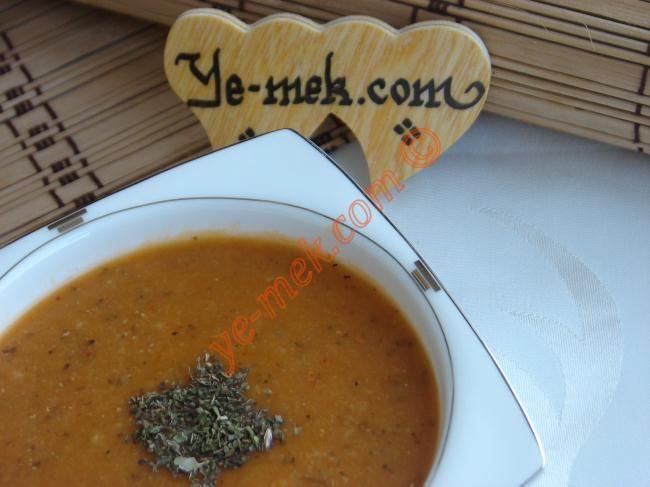 Ezogelin Çorbası Resimli Tarifi - Yemek Tarifleri
