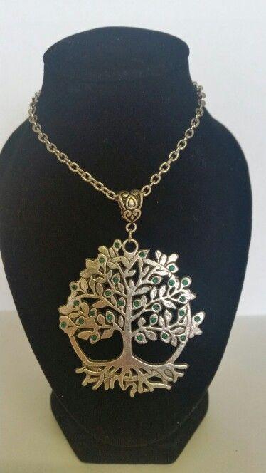 Tree of life pendant necklace. Emerald green rhinestones. AUS $ 14.00