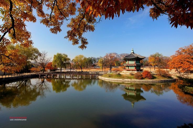 Fall of king's pond by LEE INHWAN on 500px