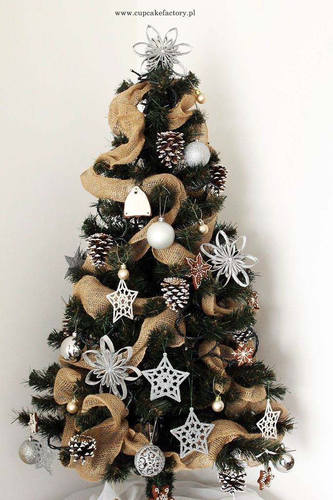 Rustic christmas tree / Cupcake Factory