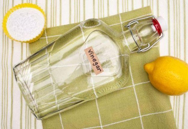 Pulire casa con aceto e bicarbonato: una piccola guida domestica