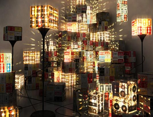 cassette tape light boxes/lamps.Ideas, Lamps Design, Recycle, Lights Fixtures, Trav'Lin Lights, Cassette Tape, Floors Lamps, Tape Lamps, Diy
