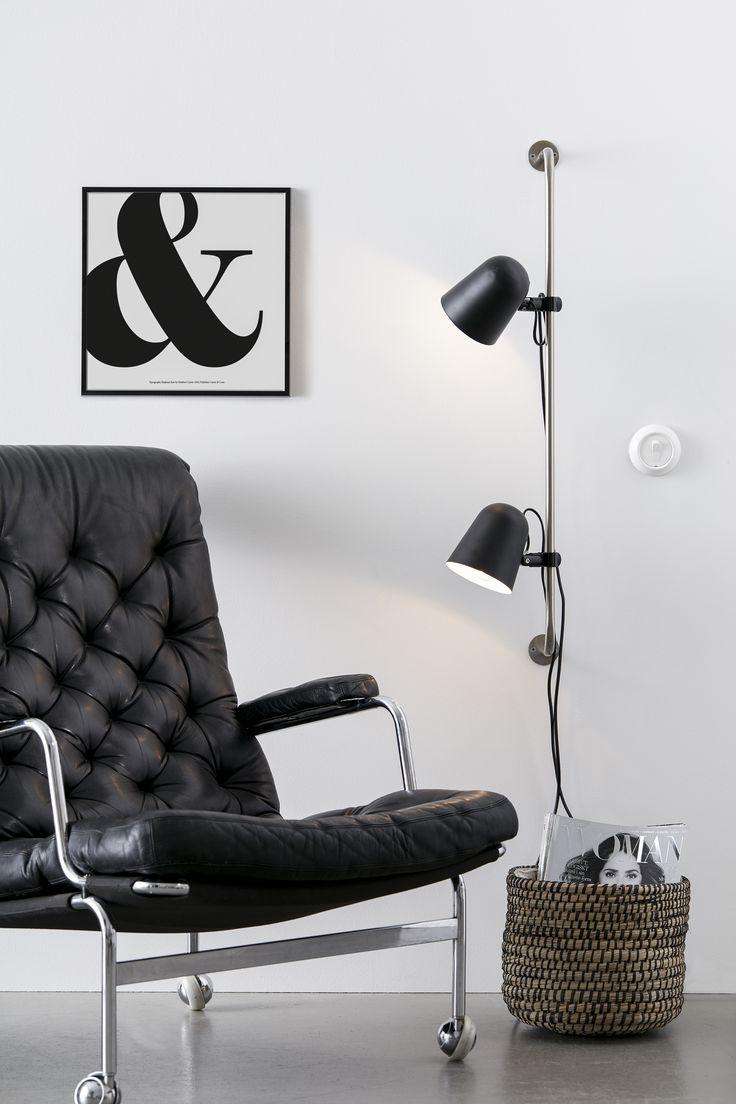Conrad vägglampa i metall från Markslöjd. Justerbar i sid-/höjdled. Ställbart huvud. Separat strömbrytare på resp. lamphuvud. Liten sockel (E14) Max 40W eller motsvarande i halogen, lågenergi eller LED. 2m sladd.  #conrad #svart #black #markslöjd #wall #light #vägglampa #interior #interiör #inspiration