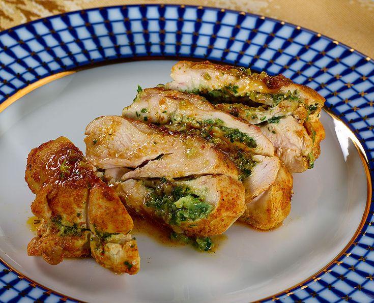 Вчера я опубликовал рецепт приготовления отличных, очень сочных, ароматных и вкусных котлет из куриных грудок. Честное слово, результат - превосходный! Самая большая трудность во вчерашнем рецепте со…