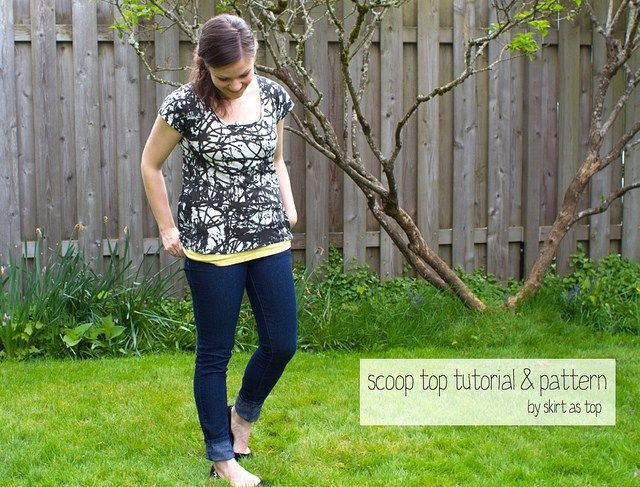 FREE tee pattern in S/M. Super cute! Nice choice for sewalong with readythreadsew.com!