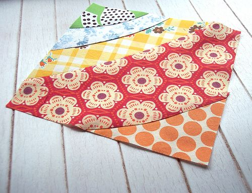{Sew Take a Hike} curved improv patchwork square tutorial - a good use of sewing with fabric scraps