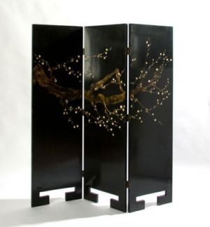 Colonial style decor - myLusciousLife.com - Black gloss Asian style screen.jpg