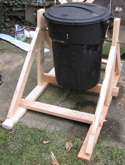 DIY compost bin tumbler, Probably not till the end of summer, but im going to make one!