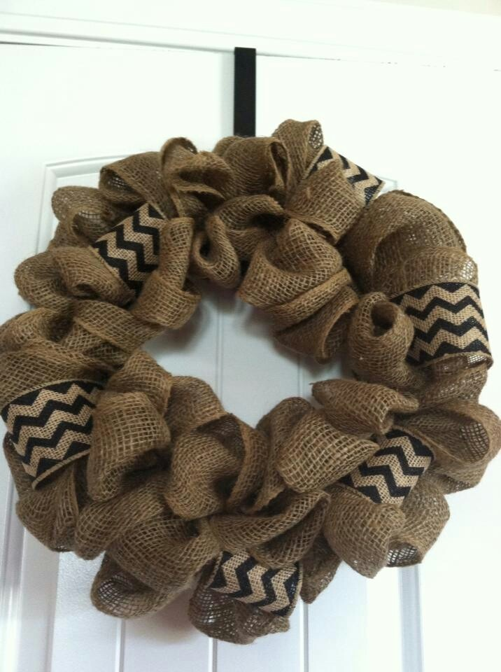Figure out how to make this. Burlap wreath | Crafts ...