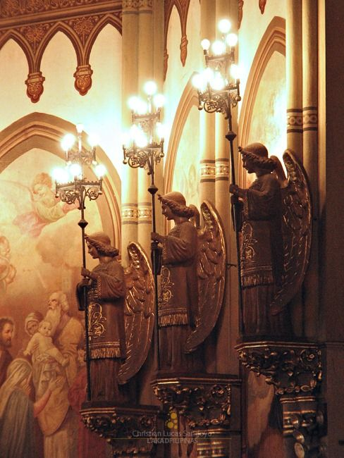 Angels Guarding Over the Church Apse. Abbey Our Lady Montserrat, Manila -Filipinas.