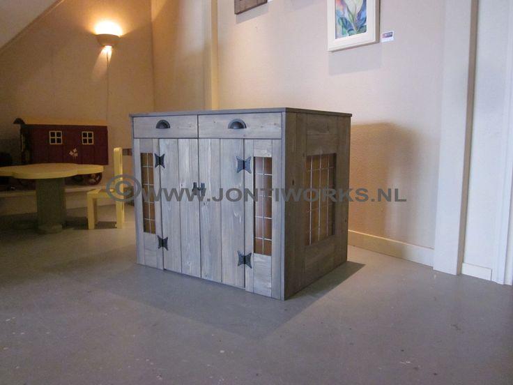 JontiWorks een houten bench voor uw huisdier.