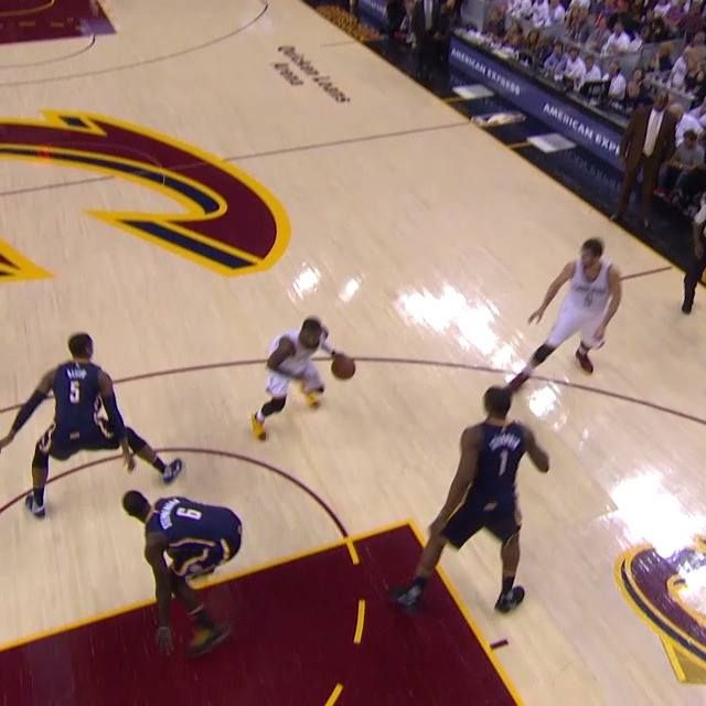 Kyrie Irving with the crossover!