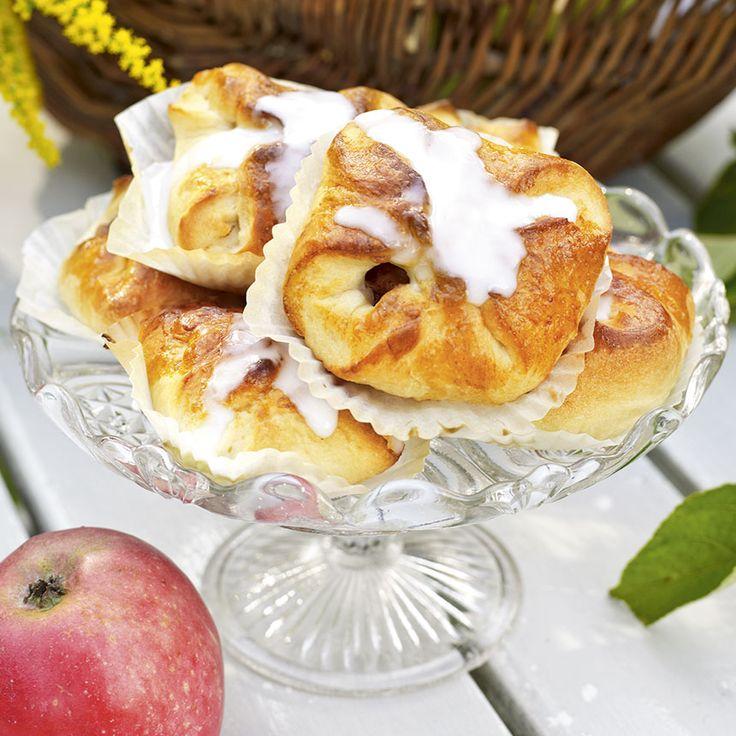 Evas äppelgömmor är kalljästa bullar med god fyllning av kanel och smörstekta äpplen. Foto Thomas Hjertén