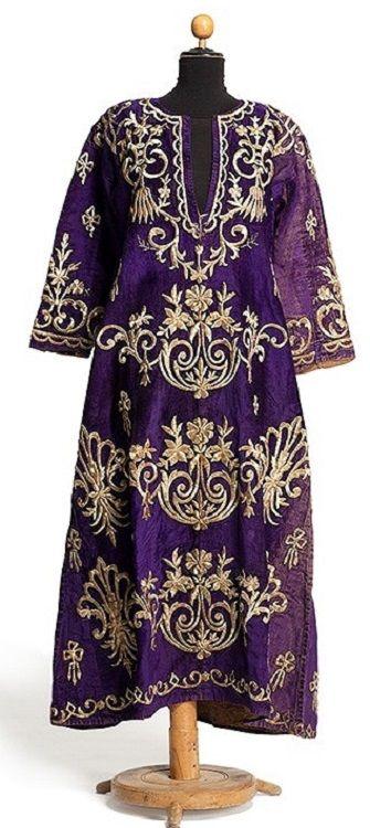 'Bindallı entari' (traditional bridal / festive woman's dress). Adorned with goldwork in 'sarma' / 'Maraş işi' technique. Late-Ottoman, urban, circa 1900.