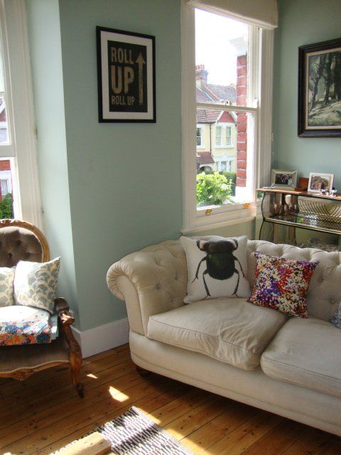 """Ruthie's """"Sociable Green"""" Room. I love the beetle pillow! <3"""