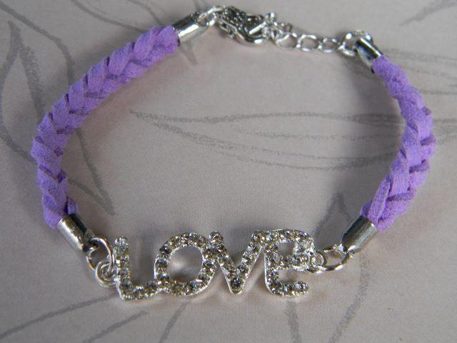 paars suede met bling LOVE tussenzetsel voor meer: www.jewelsdelight.nl