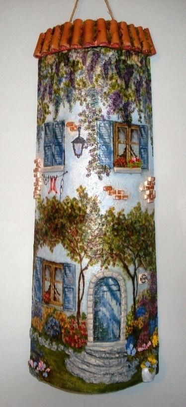 sandylandya@outlook.es Coppo vecchio decorato a decoupage con piccoli particolari in rilievo.