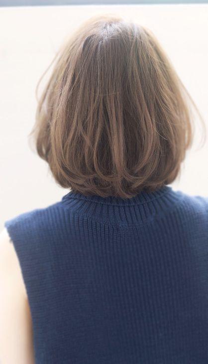 ルーズさがかわいいランダムカール♪ 耳かけスタイル!ツヤを失わない似合わせカット。 暗髪黒髪でも似合うエレガントボブ。 シースルーバング・斜めバング・厚めバング・センターパート前髪のお悩みもご相談ください。 伸ばしかけの方にも対応します 一番大切なのは似合わせです。 その人の輪郭や骨格を矯正した、カットが重要。 小さな事でもご相談下さい。 一緒に解決していきましょう! 「吉澤侑子ブログ」で検索