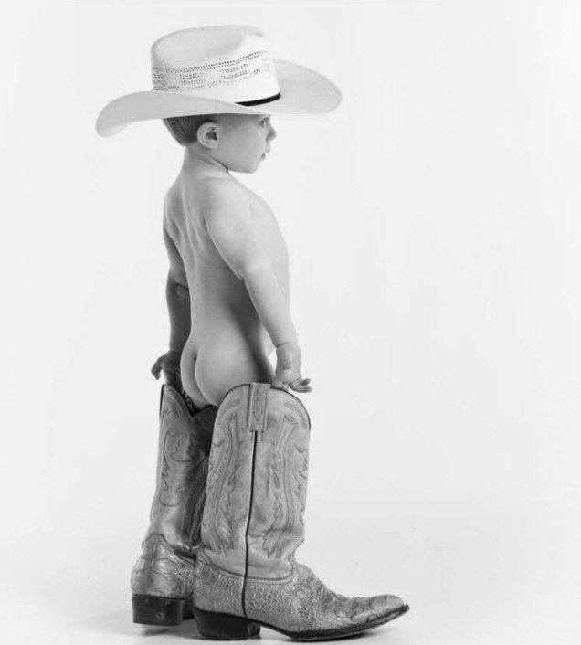 Just too stinking cute! Somerset Ky Photographer  #www.photographybyav.com#cowboys#boots#littleboys#photoshootidea