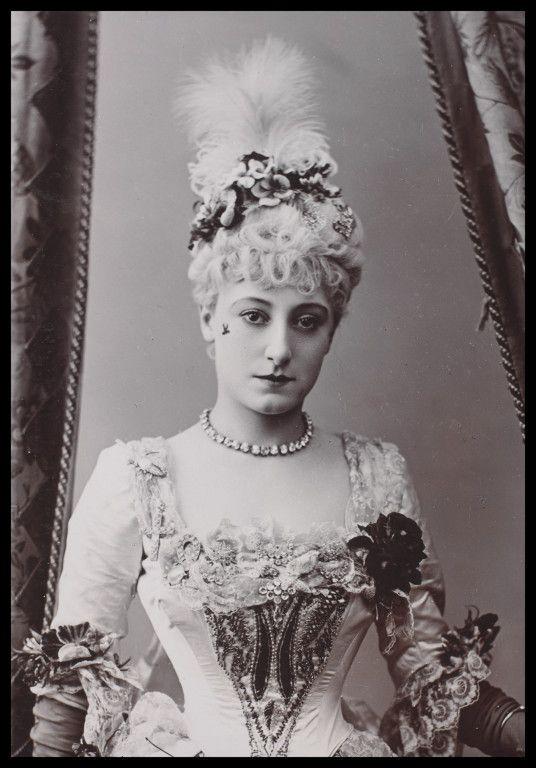 Kate Vaughan, Vaudeville Theatre, London, 1886