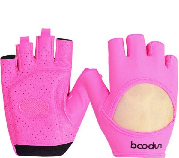 Slip-resistant yoga gloves is a useful accessories for your yoga workout, the egloves have nonslip-resistant that provide traction and grip and help with balance and stability.