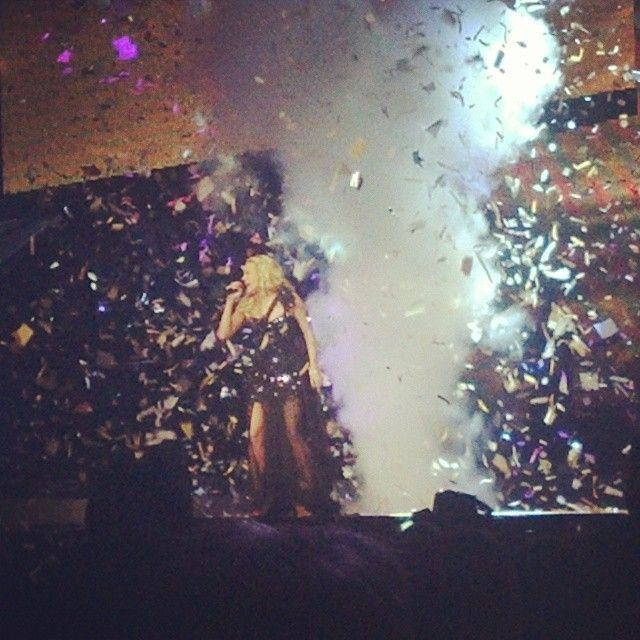 #ThrowBackThursday to one of the BEST nights of my life!!!! @carrieunderwood concert at the United Center on 12/12/12 was such an amazing experience!! Wish it never ended. #BlownAwayTour2012 #CarrieRocksTheStage #BestConcertEver @aja_dreamer23 :D