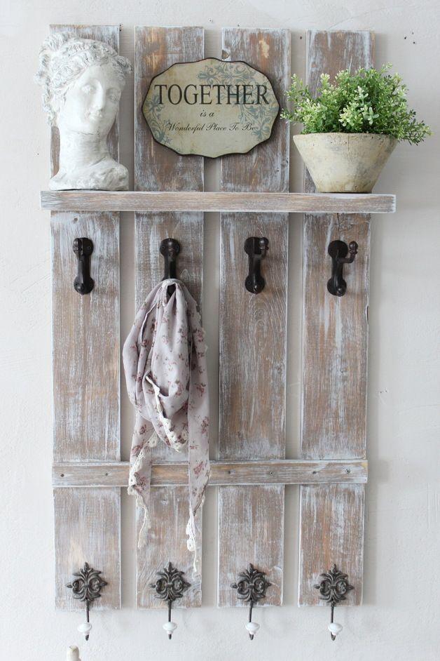 Unsere neue Dänische Landhaus-Garderobe mit Hutablage,besticht durch Ihre zeitlose Eleganz und passt daher in jeden Raum. Gerne könnt ihr die Garderobe  auch in anderen Farben und Breiten...