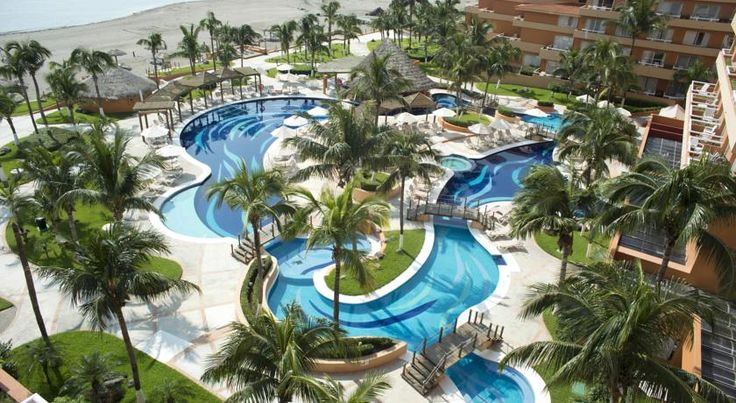 Fiesta Americana Veracruz Veracruz Situated in a select area of Boca del Río, this luxurious hotel offers relaxing spa services and enjoyable on-site facilities, such as 2 gourmet restaurants, just minutes from the convention center.