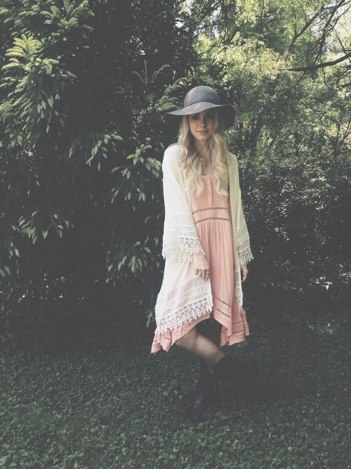 I have to say, I'm not too into the whole bohemian fashion, but THIS....this would definitely be in my closet.  -Casey