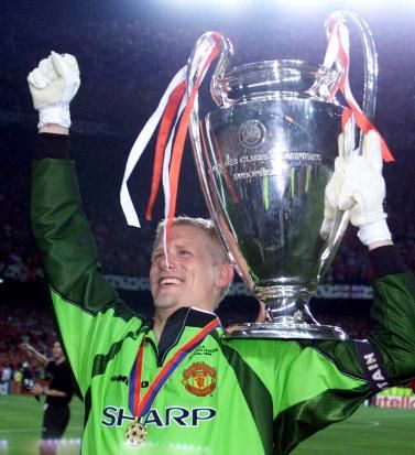 Peter Schmeichel - Greatest goalkeeper to have played for United.