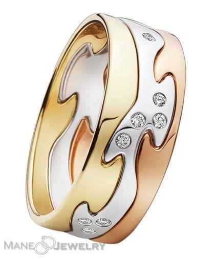 Mempersembahkan cincin kawin model levizy dengan tampilan elegan dan kekinian. Kelebihan utama pada cincin terletak pada warna cincinnya yang indah. Permukaannya menggunakan kombinasi warna kuning, putih dan rosegold. Di bagian tengahnya diperindah dengan batu zircon putih berkualitas tinggi. Produk kami dibuat oleh pengrajin berpengalaman sehingga menghasilkan cincin yang berkualitas serta memiliki nilai seni yang tinggi. …