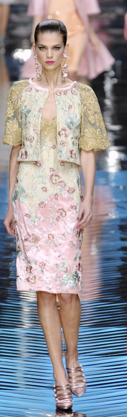 Probably the most beautiful Valentino i've ever seen. Class never goes out of style. Valentino spring 2008 HC