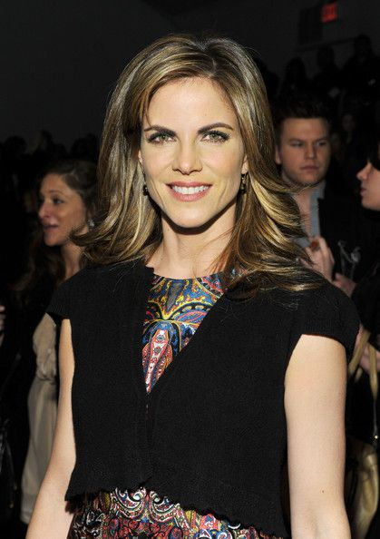 Natalie Morales- such a natural beauty. Love her hair!