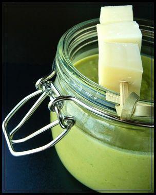 Photo de la recette : Soupe de petits pois, brochette de reblochon par Marc Veyrat