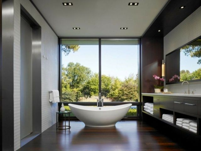 Holzwand Holzboden Freistehende Badewanne
